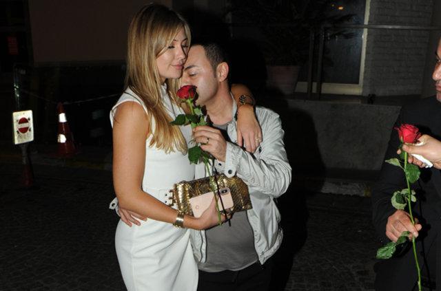 Serdar Ortaç ile Chloe Loughnan evlilik yıldönümlerini kutladı