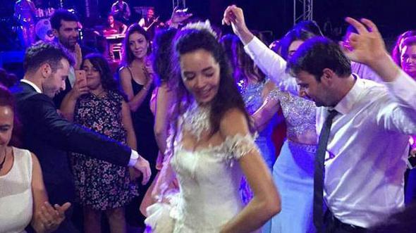Azra Akın Edirne'de evlendi