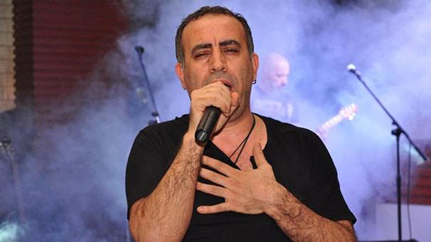 Haluk Levent: Cem Yılmaz'dan daha komiğim Rockçı Haluk Levent, Cem Yılmaz'ın sosyal medyadan paylaşım yapmama kararı almasının ardından esprili bir paylaşımda bulundu.