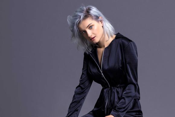 Güliz Ayla, İkinci Albümü 'Parla' yı Müzikseverlerle Buluşturdu!
