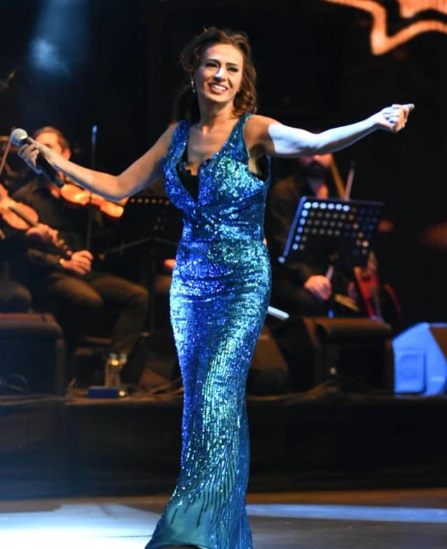 Ünlü Sanatçı Yıldız Tilbe, Seyircileri Kahkahaya Boğdu!
